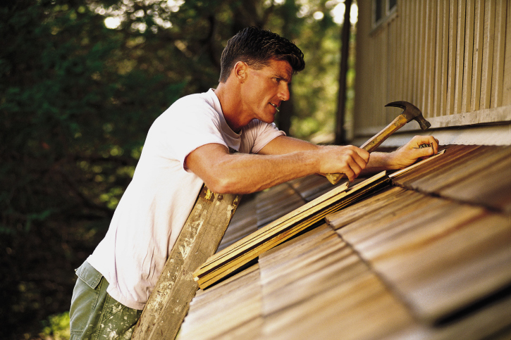 Roof Restoration 101: Preparing Your Roof for the Harsh Winter – and when to Call in Professional Help